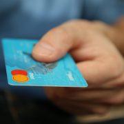 Credit Card Surcharges vs Cash Discounts