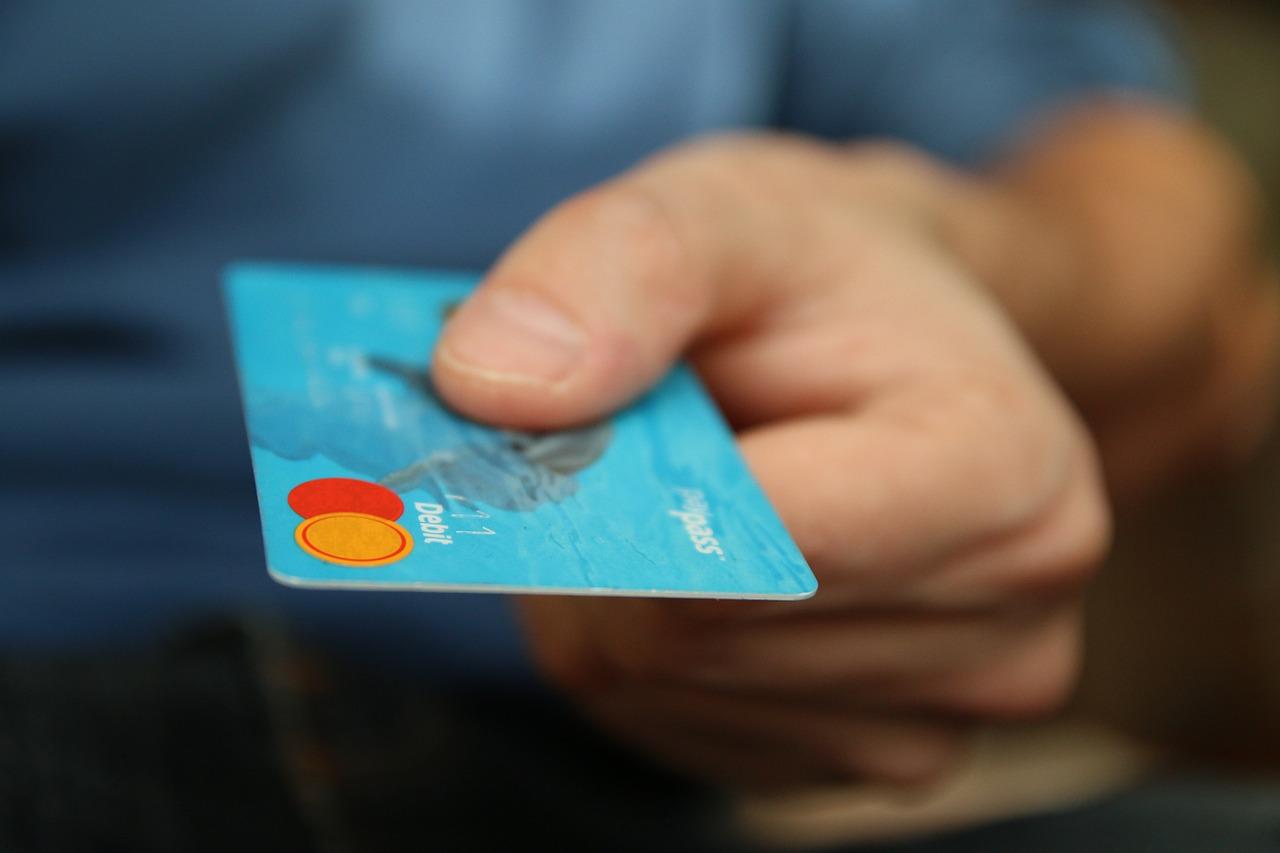 Credit card surcharges vs cash discounts reheart Images